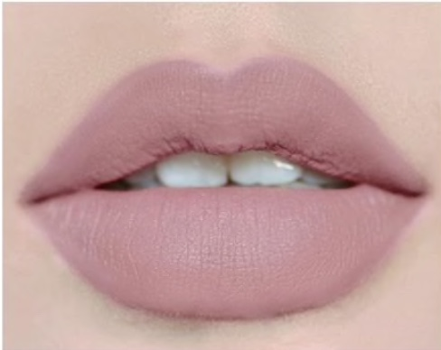 lyselilla læbestift med mat grå undertone