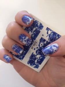 Guide til Blå og hvide negle nailart royal copenhagen negle Lingren Cosmetics